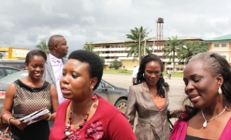 toyosi-akerele-in-company-of-mrs-roli-uduaghan-wife-of-delta-state-governor-during-the-port-harcourt-session-of-the-rise-youth-forum-2011